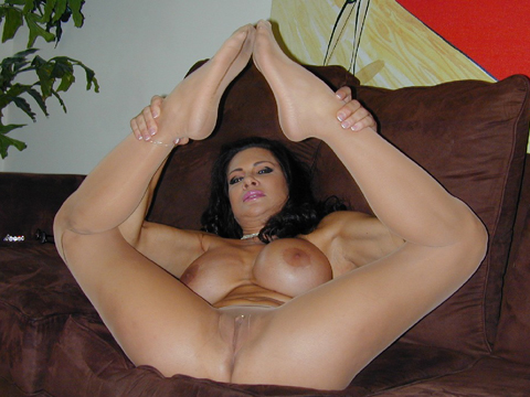Teri weigel wants to please you anyway she can